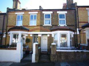 2 Bedrooms Terraced House for sale in Coxwell Road, Plumstead, London