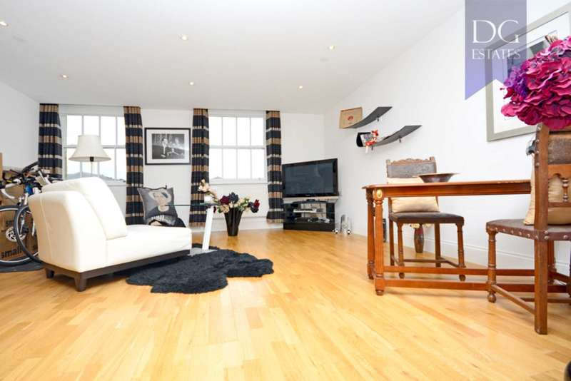 2 Bedrooms Apartment Flat for sale in Princess Park Manor, East Wing, Royal Drive, Friern Barnet