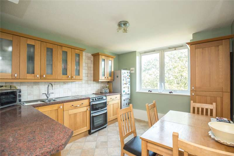 3 Bedrooms Apartment Flat for sale in Ridge Road, Crouch End, London, N8