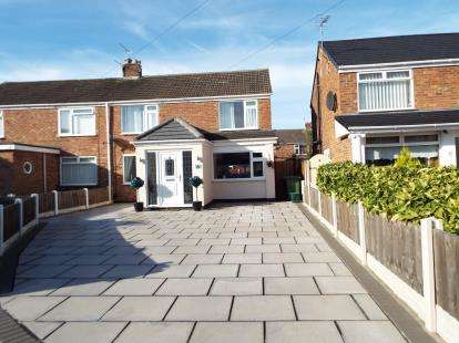 3 Bedrooms Semi Detached House for sale in Beaufort, Formby, Liverpool, Merseyside, L37