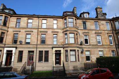 3 Bedrooms Flat for sale in Roslea Drive, Dennistoun, Glasgow