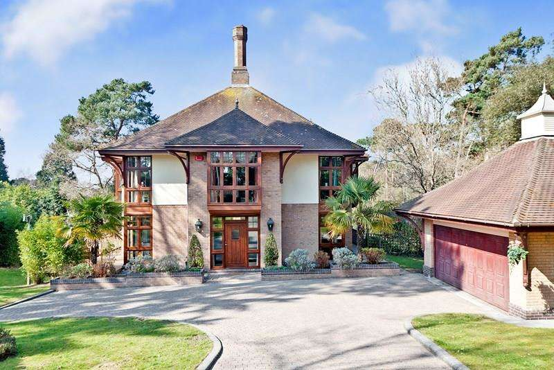 5 Bedrooms Detached House for sale in Evening Hill, Poole BH14