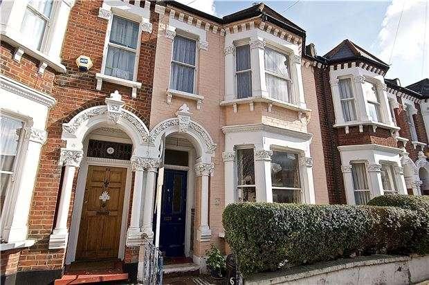 3 Bedrooms Terraced House for sale in Taybridge Road, Battersea, LONDON, SW11