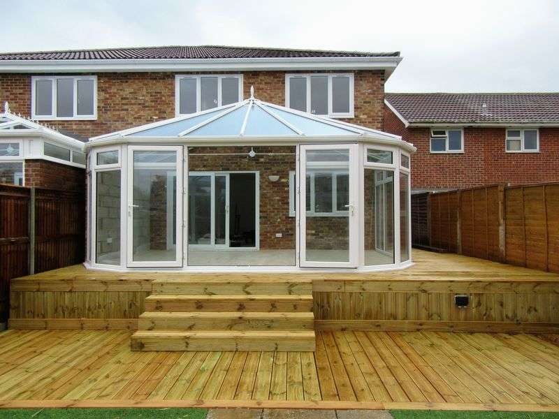 4 Bedrooms Semi Detached House for sale in Southwood Road, Hayling Island