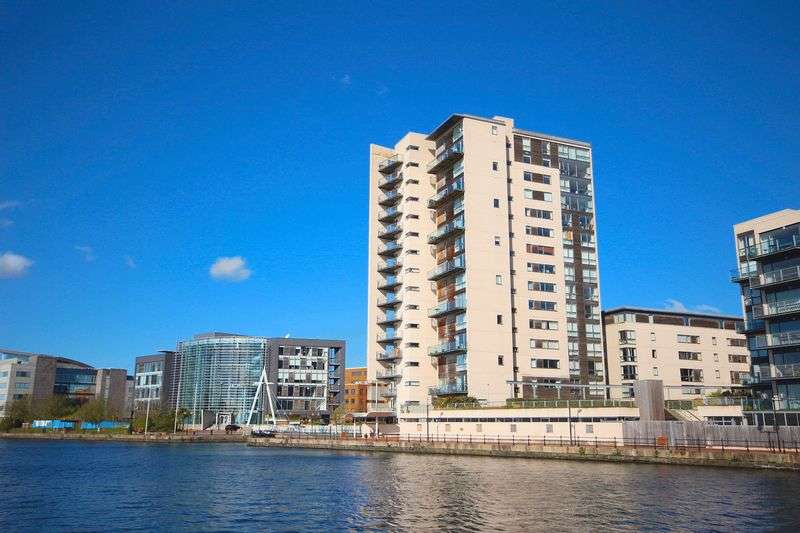 2 Bedrooms Flat for sale in Falcon Drive, Cardiff Bay