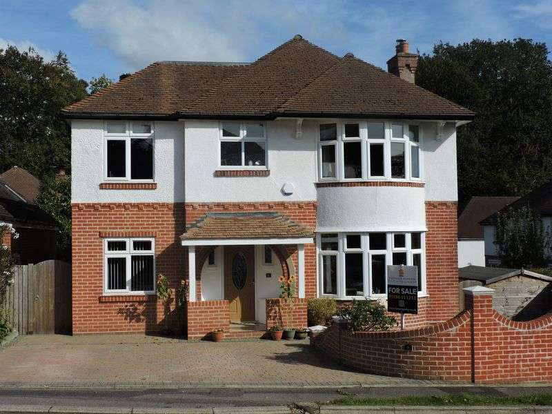 4 Bedrooms Detached House for sale in Bassett, SO16 3HZ