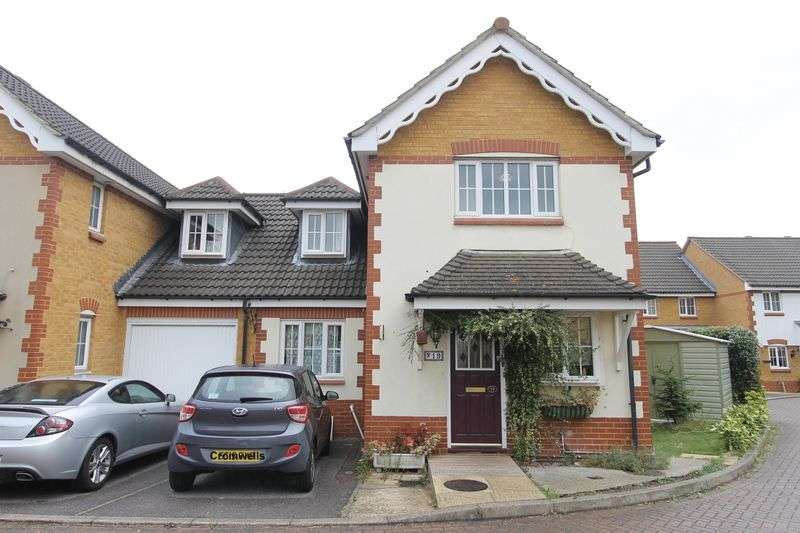 3 Bedrooms Semi Detached House for sale in Elizabeth Close, Sutton