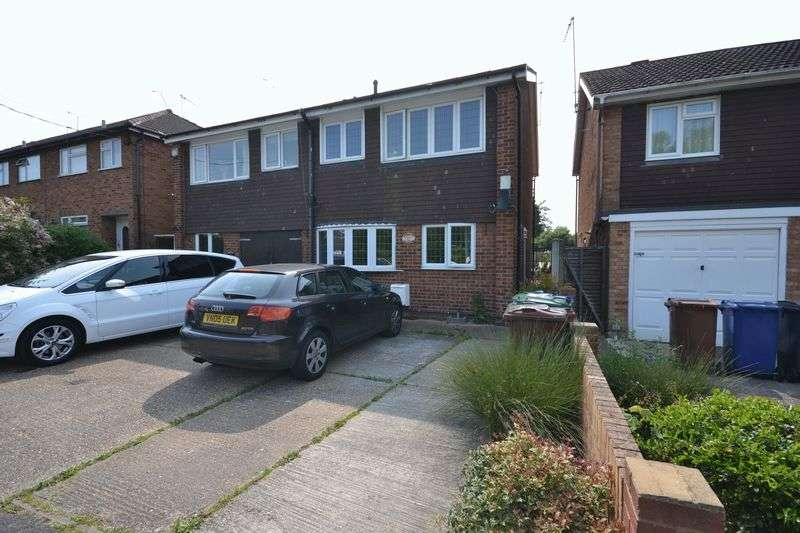 3 Bedrooms Semi Detached House for sale in Ruskin Road, Stanford-Le-Hope