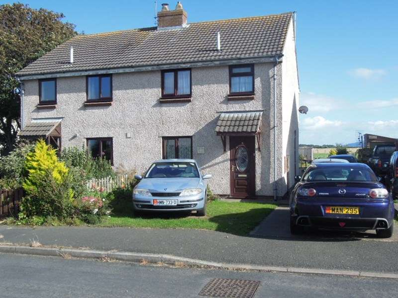2 Bedrooms Semi Detached House for sale in Snaefell View, Jurby, IM7 3BF