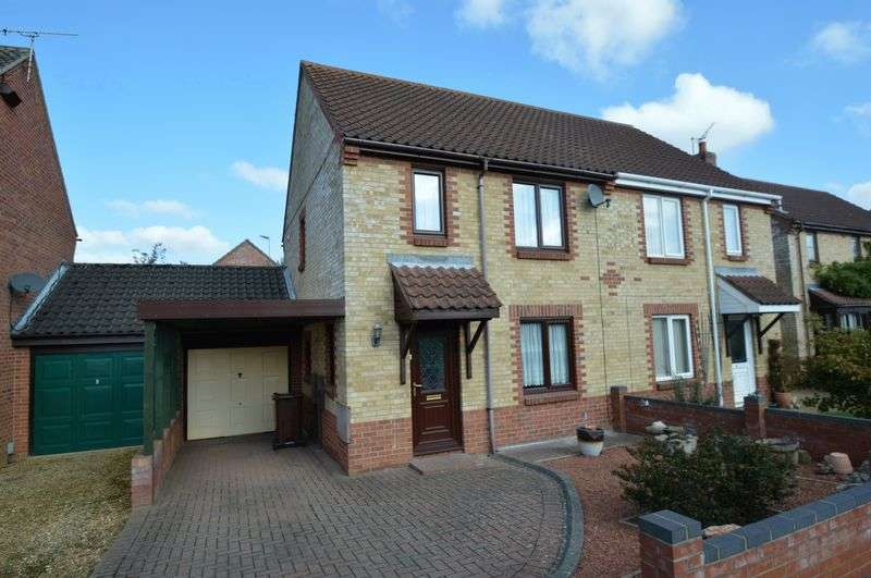 3 Bedrooms Semi Detached House for sale in Meadow Vale, New Costessey