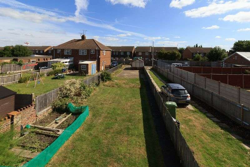 3 Bedrooms Semi Detached House for sale in St. Georges Avenue, Sheerness