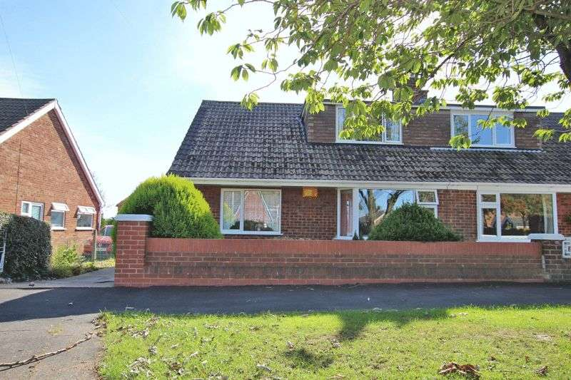 2 Bedrooms Semi Detached Bungalow for sale in PRETYMEN CRESCENT, NEW WALTHAM
