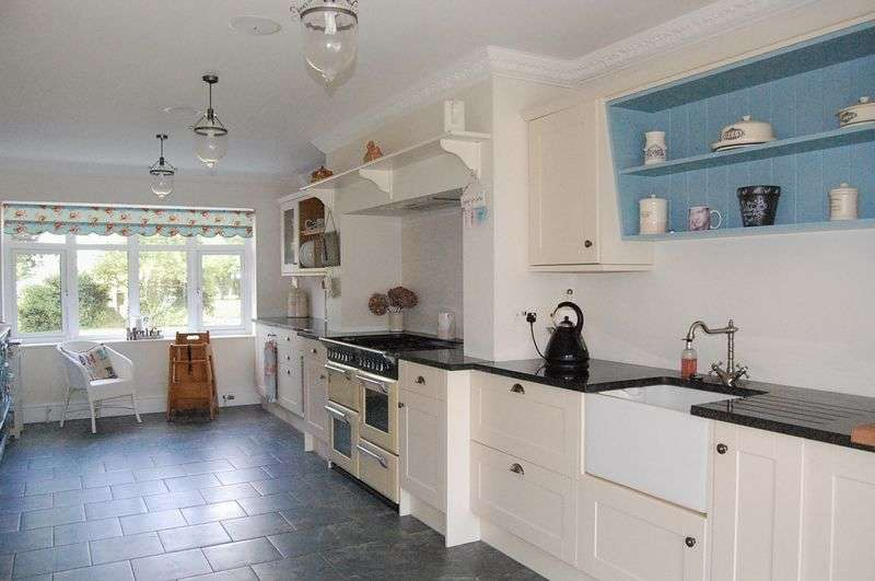 3 Bedrooms Detached House for sale in Cassbrook Drive, Fulstow