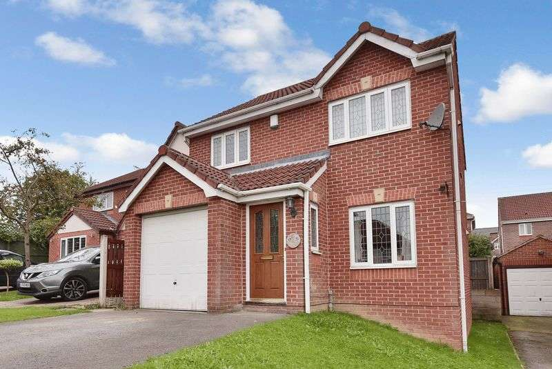 3 Bedrooms Detached House for sale in Laithes Chase, Alverthorpe