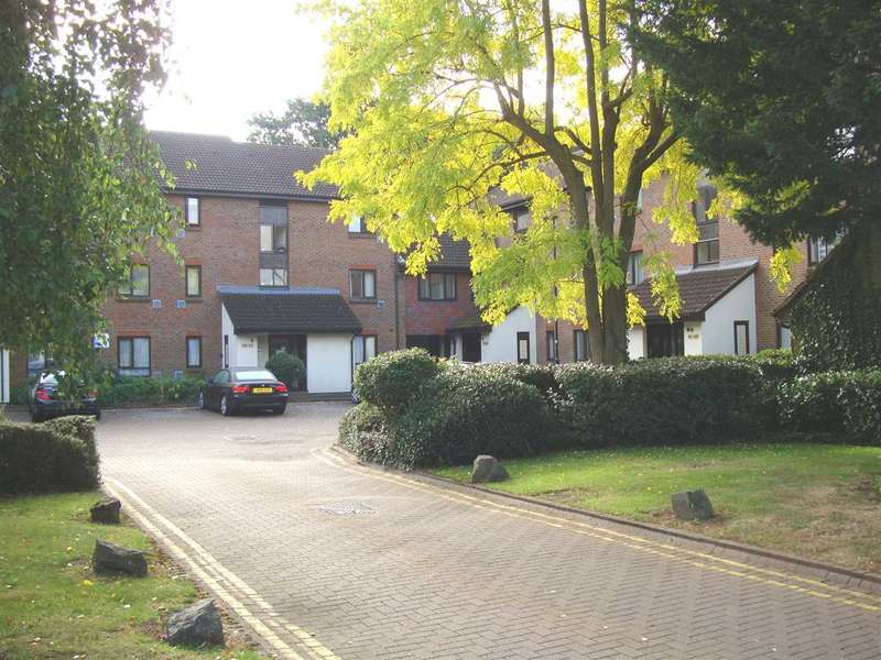 2 Bedrooms Apartment Flat for sale in Stags Way, Osterley
