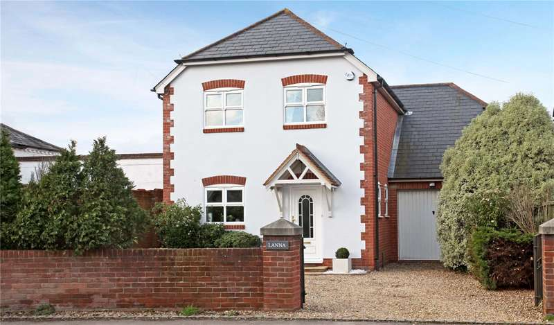 4 Bedrooms Detached House for sale in North Street, Winkfield, Berkshire, SL4