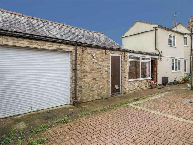 3 Bedrooms Terraced House for sale in West End, March, Cambridgeshire