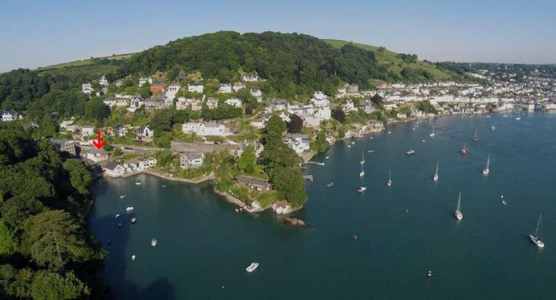 4 Bedrooms Detached House for sale in Creek Cottage, Castle Road, Dartmouth