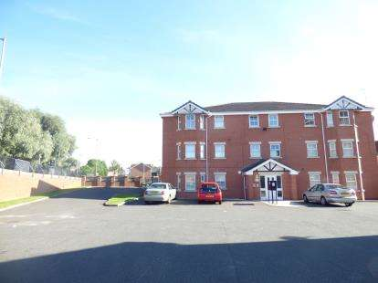 1 Bedroom Flat for sale in Plumpton Mews, Widnes, Cheshire, WA8