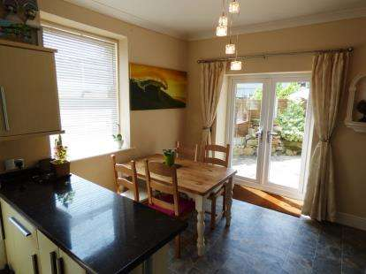 4 Bedrooms Detached House for sale in Albion Road, New Mills, High Peak