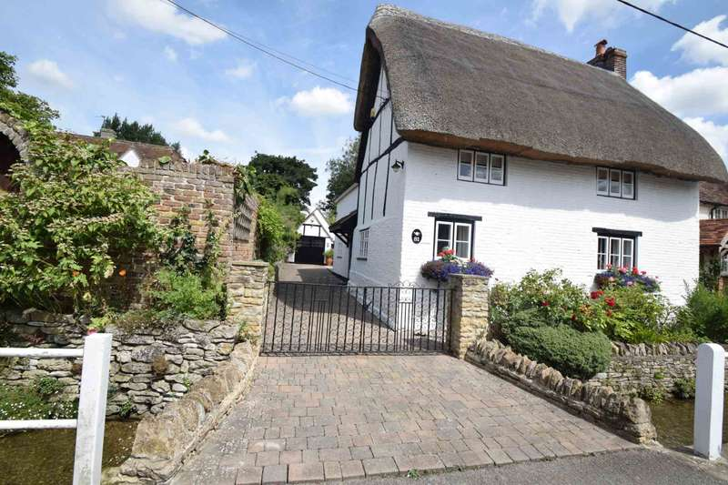 3 Bedrooms Cottage House for sale in High Street, Chalgrove
