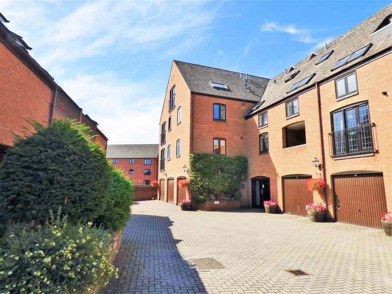 1 Bedroom Flat for sale in Rookes Court, Brewery St, Stratford Upon Avon