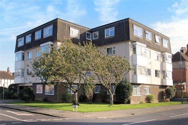 1 Bedroom Apartment Flat for sale in Beach Court, Irvine Road, Littlehampton, West Sussex, BN17