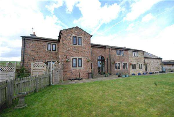 6 Bedrooms Detached House for sale in Birdsfield Farm , Ashworth Valley, Norden