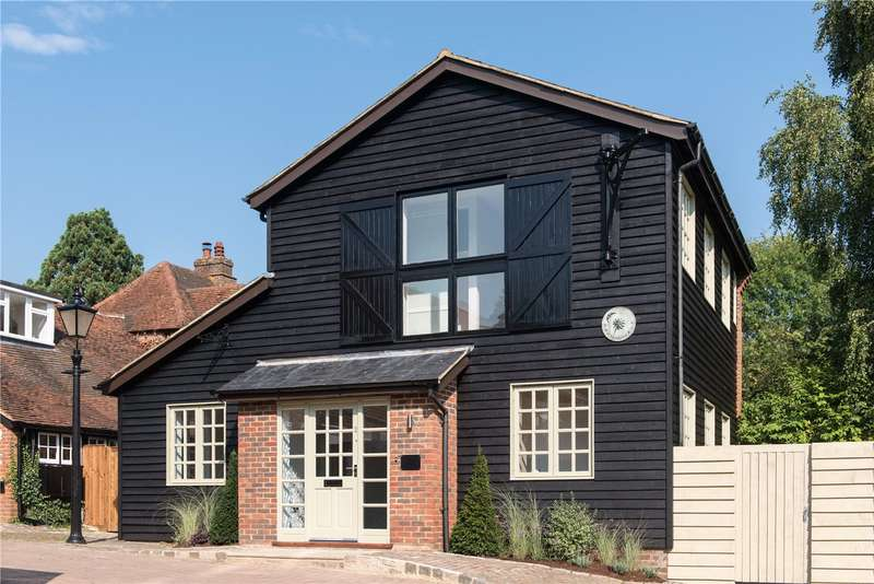 2 Bedrooms Detached House for sale in Regius Court, Church Road, Penn, High Wycombe, HP10