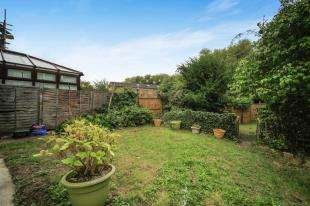 3 Bedrooms End Of Terrace House for sale in Stayton Road, Sutton, Surrey, Greater London