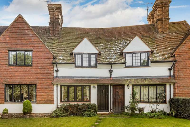 3 Bedrooms Terraced House for sale in Red Lane, Oxted