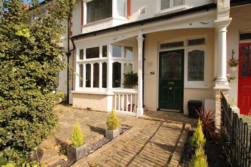 1 Bedroom Property for sale in Burford Gardens, London N13