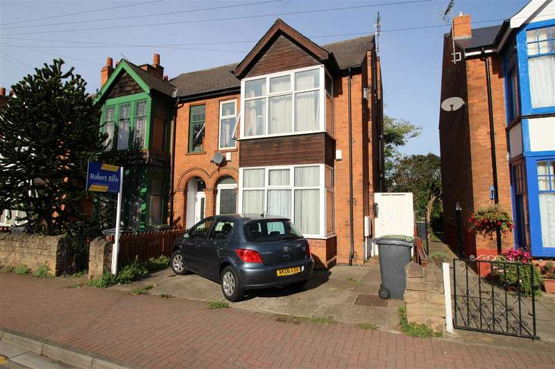 4 Bedrooms House for sale in Queens Road, Beeston