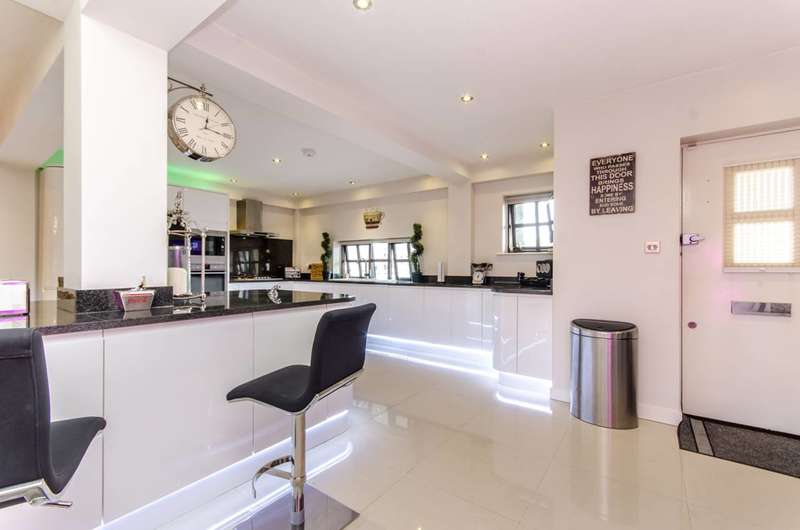 3 Bedrooms House for sale in Rope Street, Rotherhithe, SE16