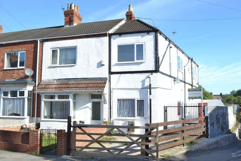 Terraced House for sale in Lincoln Boulevard, Grimsby