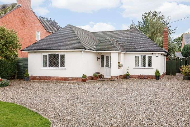 3 Bedrooms Detached Bungalow for sale in Overton, Nr. Wrexham
