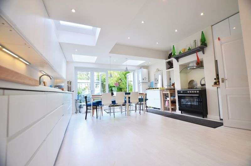5 Bedrooms Terraced House for sale in Rushmore Road, Clapton E5