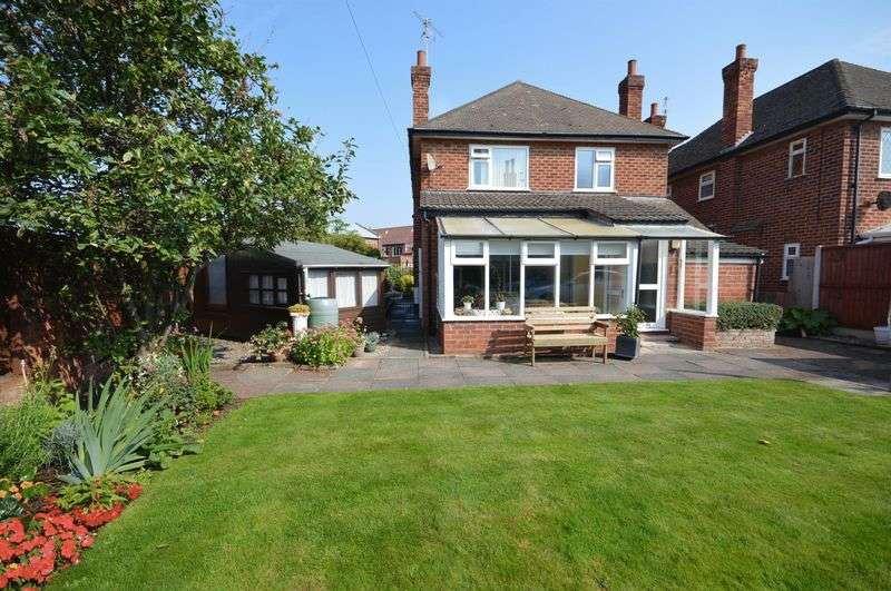 3 Bedrooms Detached House for sale in Birkenhead Road, Meols