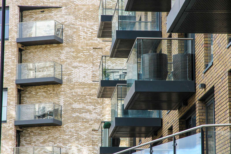 1 Bedroom Flat for sale in Canary Point, Marine Wharf East, Surrey Quay