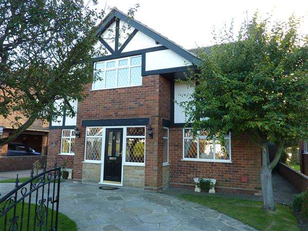 3 Bedrooms Detached House for sale in HARDYS ROAD, CLEETHORPES