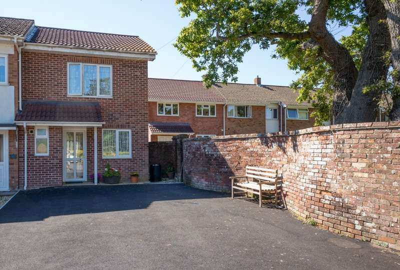 3 Bedrooms Semi Detached House for sale in Sheldrake Gardens, Lymington, Hampshire, SO41