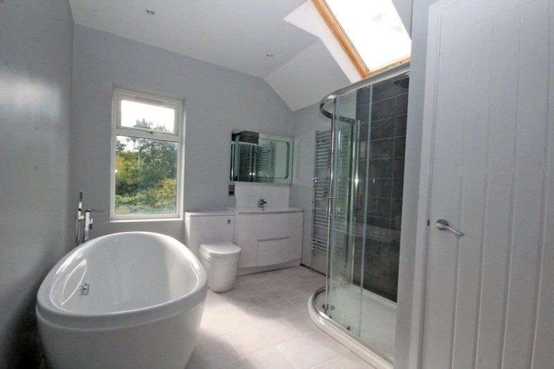 3 Bedrooms Terraced House for sale in Ty-Mawr Road, Llandaff North