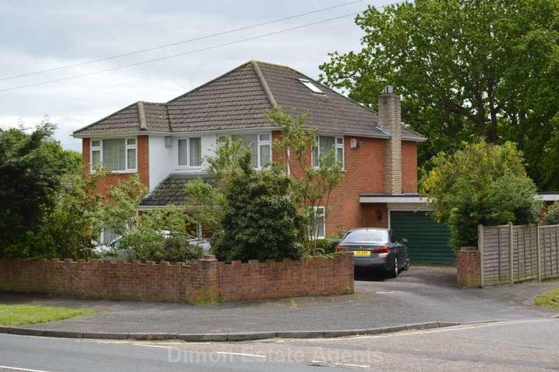 4 Bedrooms Detached House for sale in Rowner Road, Rowner
