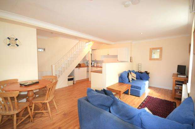 2 Bedrooms Terraced House for sale in Church Street, East Looe, Looe, Cornwall