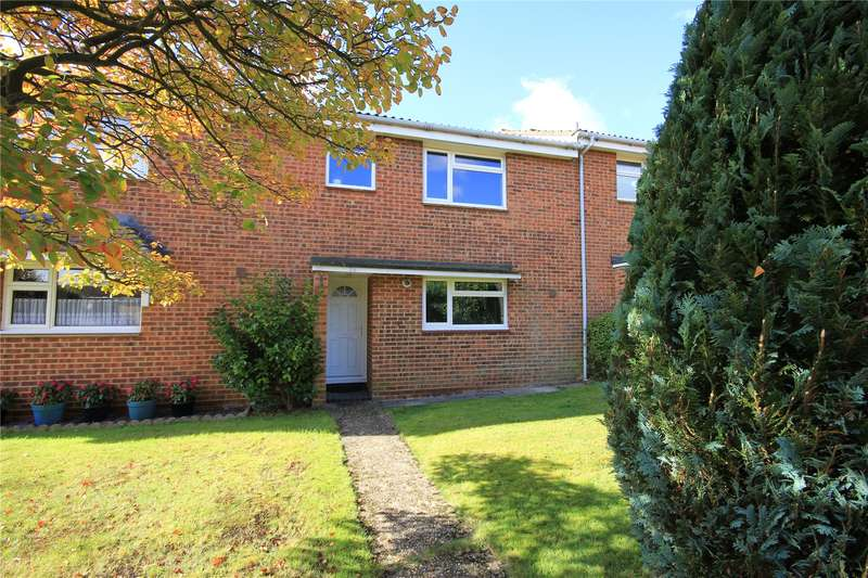 3 Bedrooms Terraced House for sale in Kenton Way, Woking, Surrey, GU21