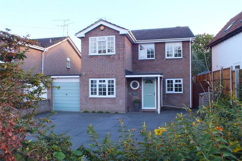 4 Bedrooms Detached House for sale in Aldershot Road, Church Crookham, Fleet, GU52