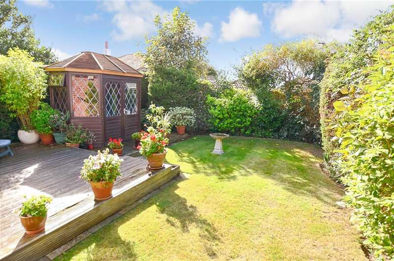3 Bedrooms Bungalow for sale in The Sparrows, Peacehaven, East Sussex