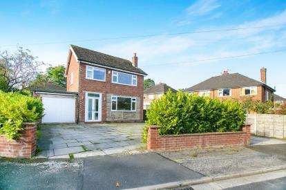 3 Bedrooms Detached House for sale in Poise Close, Hazel Grove, Stockport, Cheshire