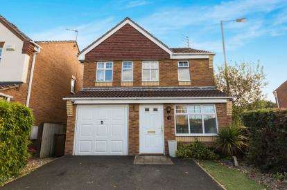 3 Bedrooms Detached House for sale in Windgate Rise, Stalybridge, Greater Manchester