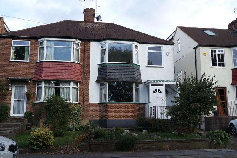 3 Bedrooms Semi Detached House for sale in Grasvenor Avenue, Barnet